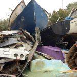 dead fiberglass boat scrap